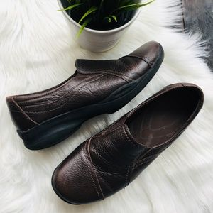 CLARKS In Motion Leather Loafers Comfort Shoes 10